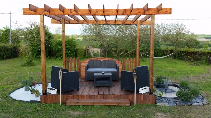 pergola en palette ma pergola. Black Bedroom Furniture Sets. Home Design Ideas
